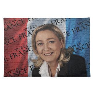 Marine Le Pen Salvamanteles