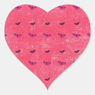 Mariposa atractiva pegatina en forma de corazón