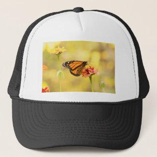 Mariposa de monarca en Zinnia Gorra De Camionero