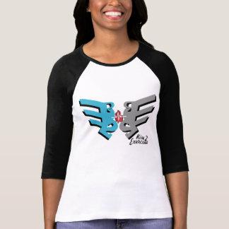 Mariposa del ejercicio de la subida 2 camiseta