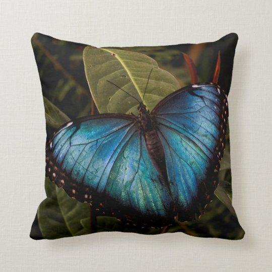 Mariposa grande, hermosa, azul cojín decorativo