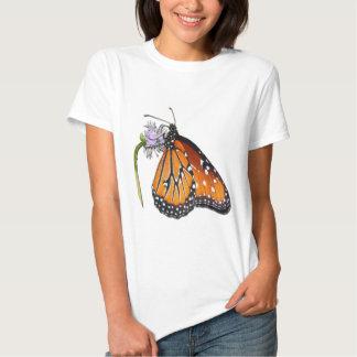 Mariposa hermosa de la reina cortada camisetas