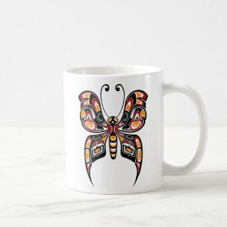 Mariposa roja y amarilla del alcohol del Haida Taza De Café