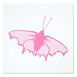 Mariposa rosada invitación 13,3 cm x 13,3cm