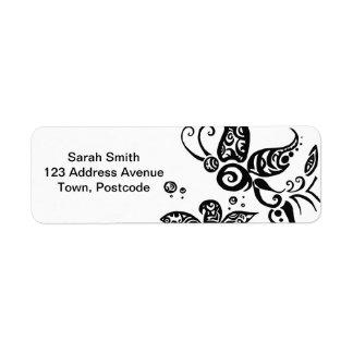 Mariposa tribal blanco y negro etiquetas de remite