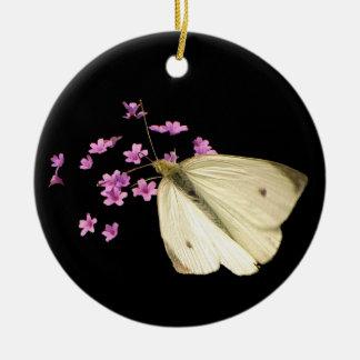 Mariposa y flores adorno redondo de cerámica