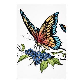 Mariposa y mariposas a todo color por el Al Río Folleto 14 X 21,6 Cm