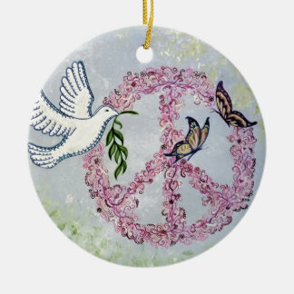 Mariposas de la paloma de la paz adorno navideño redondo de cerámica