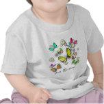 Mariposas y margaritas de Swallowtail Camisetas
