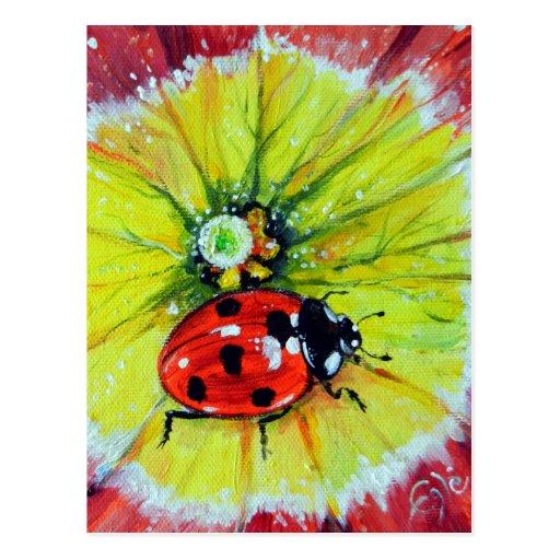 Mariquita en la flor tarjeta postal
