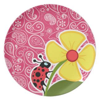 Mariquita en Paisley Cerise Floral Platos Para Fiestas
