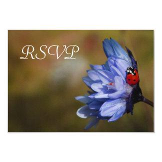 Mariquita en una tarjeta de RSVP de la flor de la Invitación 8,9 X 12,7 Cm