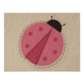 mariquita rosada invitación 10,8 x 13,9 cm