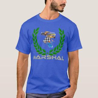 """""""Mariscal"""" por la persona que hace señales con una Camiseta"""