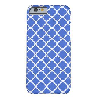 Marroquí azul Quatrefoil de Han Funda De iPhone 6 Barely There