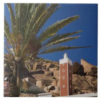 MARRUECOS, atlas anti, área de TAFRAOUTE: ADAI, ro Azulejo Cuadrado Grande