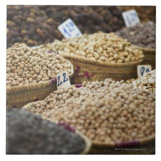 Marruecos, Marrakesh, el Medina, producción local  Tejas