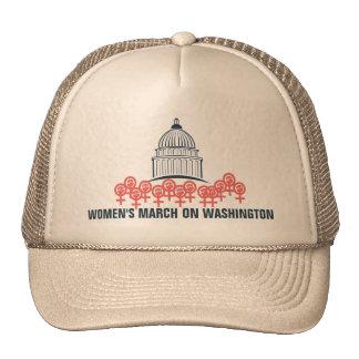 Marzo de las mujeres en la solidaridad de gorro de camionero