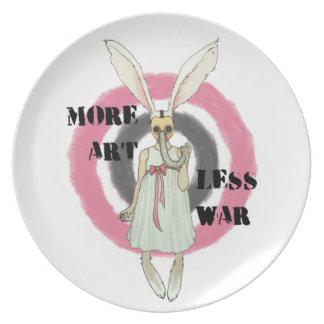 Más arte menos guerra plato