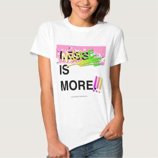 Más es un gráfico más inspirado del brillo de la camisetas