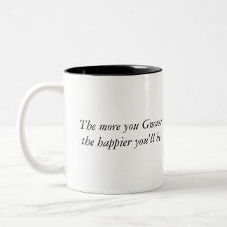 Más usted gnomo el más feliz usted será (la taza) taza de café de dos colores