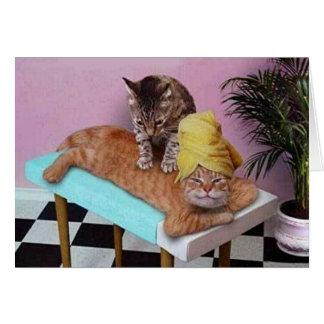 Masaje divertido del gato tarjeta de felicitación