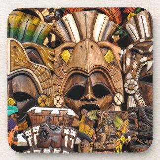 Máscaras de madera mayas en México