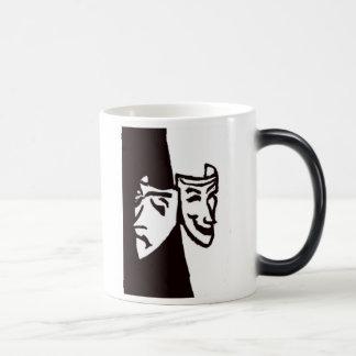 Máscaras tristes felices del teatro taza de café