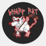 Mascota del dibujo animado de la rata de muelle etiquetas redondas