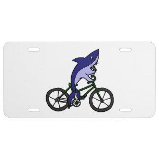 Matrícula Tiburón en un dibujo animado de la bicicleta