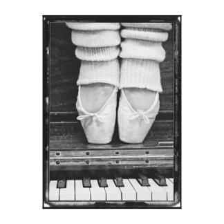 Mediano blanco y negro del dúo del ballet del impresión en lona estirada