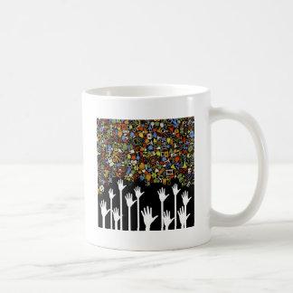 Medicina de la mano taza de café