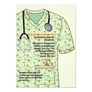 Médico friega la invitación de la graduación del invitación 12,7 x 17,8 cm