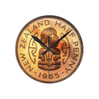 Medio reloj de Tiki del penique de NZ Nueva