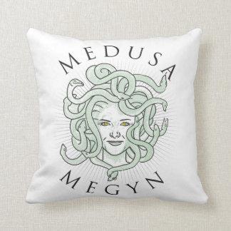 Medusa Hillary y Megyn -- Almohada