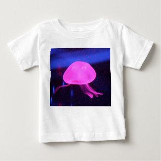 Medusas fluorescentes rosadas camisetas