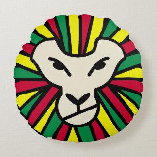 Melena coloreada Rastafari del león del reggae Cojín Redondo