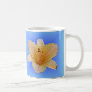 Melocotón en el azul - Daylily Taza De Café