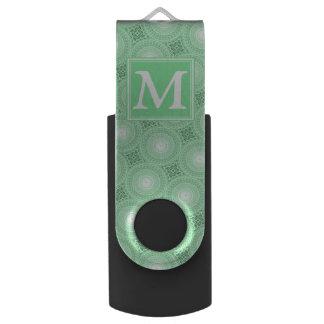 Memoria USB El verde de la primavera del monograma circunda el