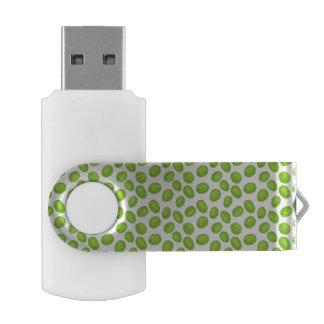 Memoria USB Modelo con las aceitunas verdes
