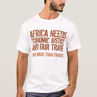 Mensaje del comercio justo en la camisa para los