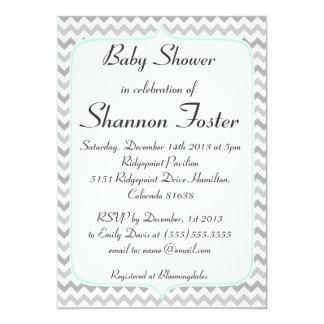 Menta elegante y fiesta de bienvenida al bebé gris invitación 12,7 x 17,8 cm
