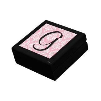Mercancía rosada de las iniciales del monograma de caja de regalo cuadrada pequeña
