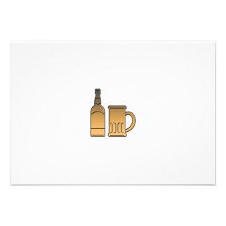metálico aislada taza de oro de la botella de cerv invitacion personal