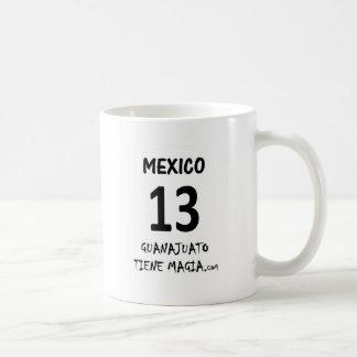 MÉXICO TIENE MAGIA.png Taza Básica Blanca