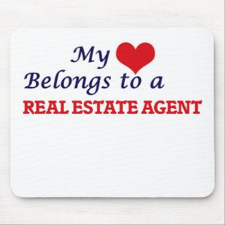 Mi corazón pertenece a un agente inmobiliario alfombrilla de ratón