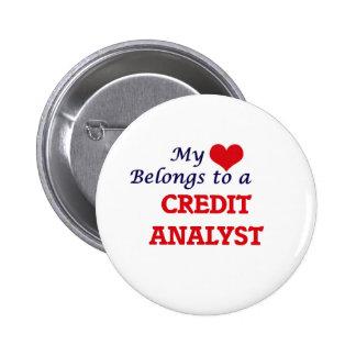 Mi corazón pertenece a un analista de crédito chapa redonda de 5 cm