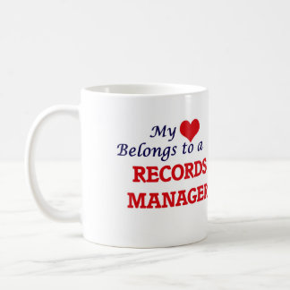 Mi corazón pertenece a un encargado de expedientes taza de café