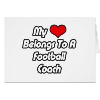 Mi corazón pertenece a un entrenador de fútbol felicitación