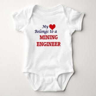 Mi corazón pertenece a un ingeniero de minas body para bebé
